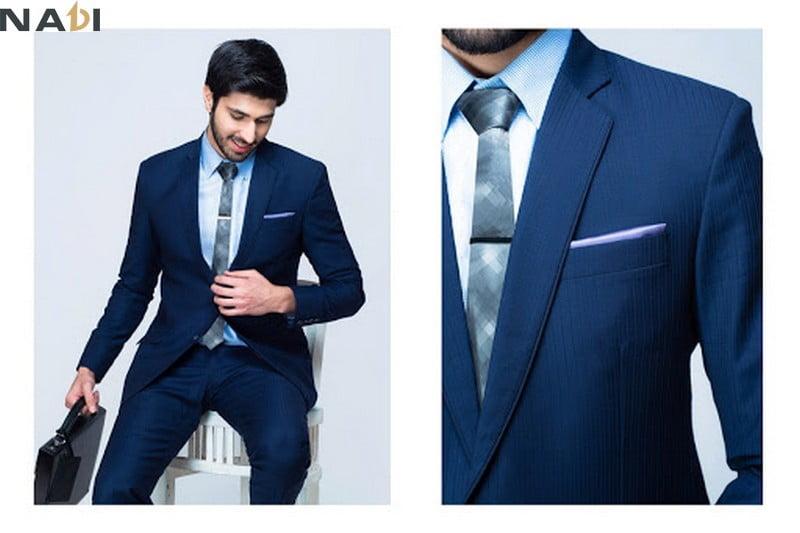Nên chọn vải may quần đồng phục công sở nam là kaki, cotton lạnh, thun PE
