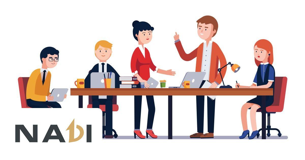 Bạn có thể rèn luyện kỹ năng giao tiếp nơi công sở. Thông qua việc chia sẻ sở thích cá nhân, những thắc mắc có liên quan trong quá trình làm việc