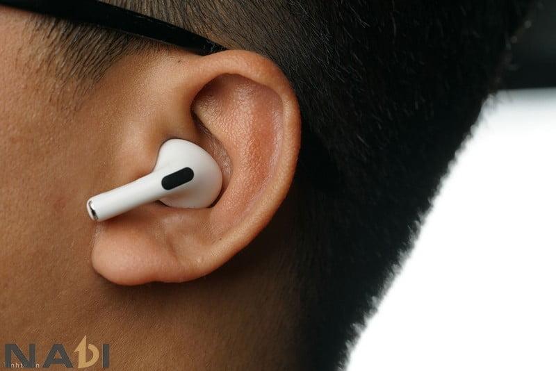 Sở hữu đồ chơi dân văn phòng là chiếc tai nghe Bluetooth sẽ hỗ trợ tuyệt vời