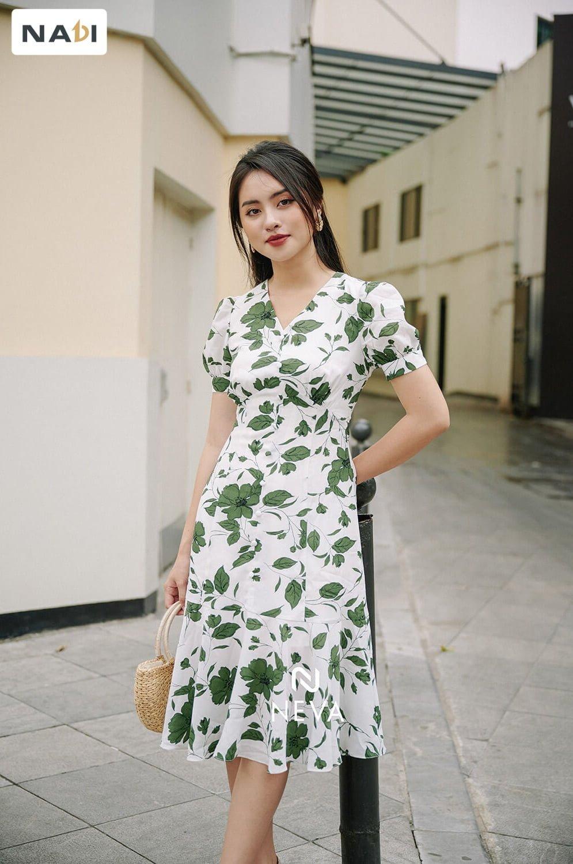 Đầm liền - bí kíp dịu dàng khi mặc đẹp công sở mùa hè