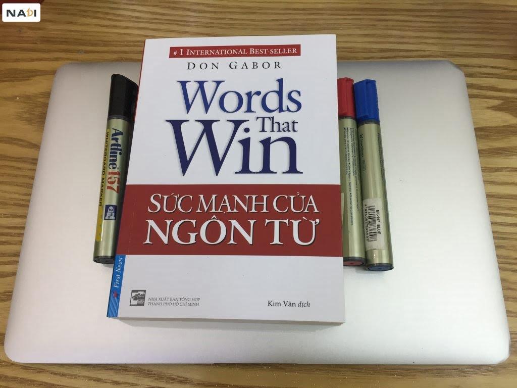 Bạn nên sở hữu ngay cuốn sách giao tiếp này trong tủ sách, để tăng khả năng giao tiếp.