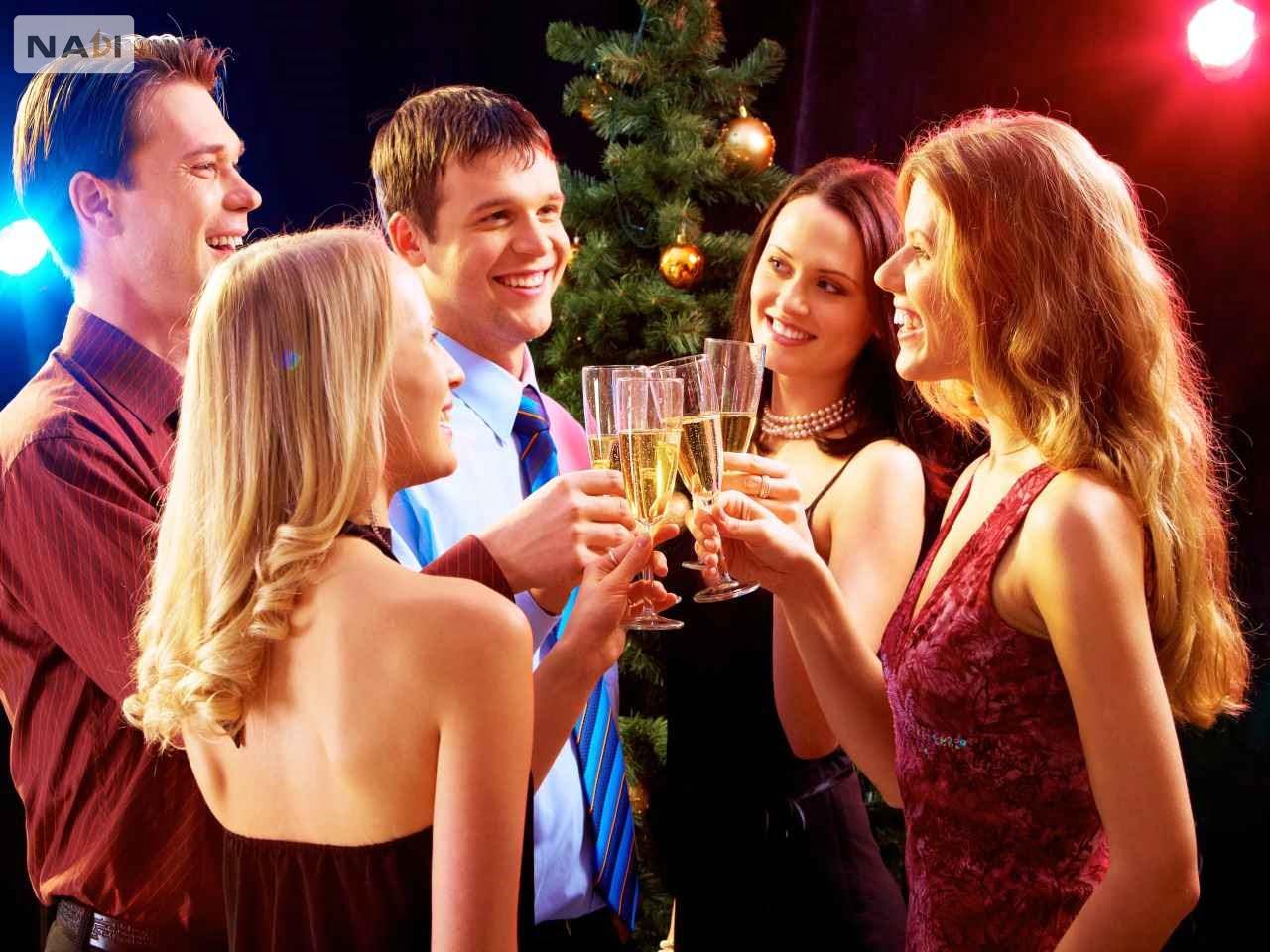 Tiếng anh công sở & giao tiếp xã hội là điều rất cần thiết trong cuộc sống của mỗi người.